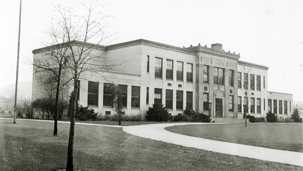 Lacy Elementary School, c.1930 courtesy of the Warren County Historical Society